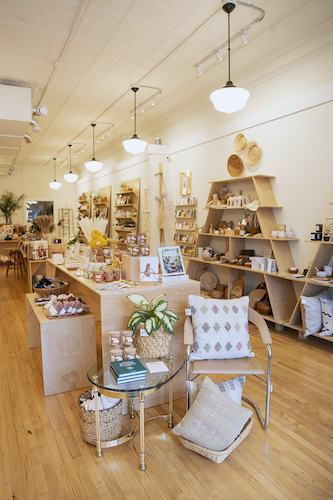 0220_RETAIL-THERAPY_Dune_DP3A0864_Photo_Courtesy_HClaire